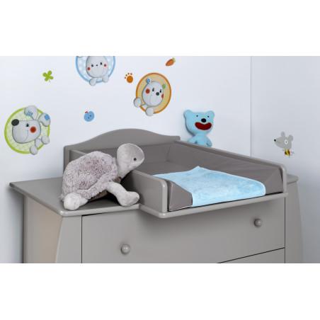 chambre bébé lit avec armoire et commode