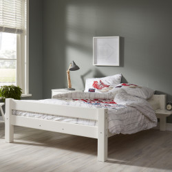 lits adulte lits design en bois massif vendus avec sommier. Black Bedroom Furniture Sets. Home Design Ideas