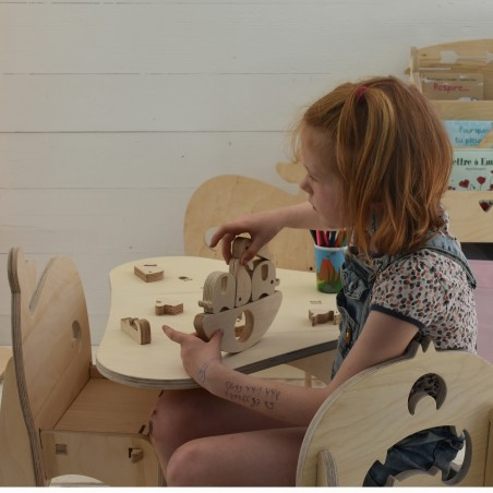 Table And Three Chairs For Kids Lilie, Small Child's Chair